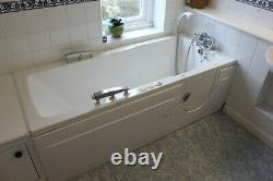 14 Jet white jacuzzi spa walk-in 170 x 70 cm bath with powered seat, basin & WC
