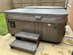 2015 Jacuzzi J480 IP Hot Tub Spa 5-6 Seats. Free Uk Crane Delivery. NO OFFERS