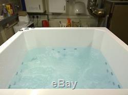 8 Jet Oriental Japanese Whirlpool Bath Tub 1400 x 1000 Jacuzzi Spa White
