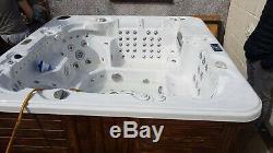Balboa hot tub large Jacuzzi luxury spa 6/7 seats