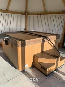 Beachcomber Hot Tub Model 550 Heqs 6 Person Used Only Twice Spa Jacuzzi