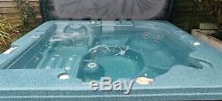 Canadian Spa Co. Alberta Gold 5-6 person Hot Tub Jacuzzi Arctic Spa