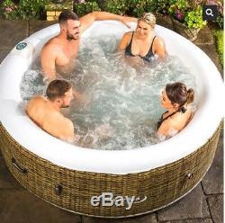 Clever Spa Borneo hot tub 4 person Jacuzzi! Brand New