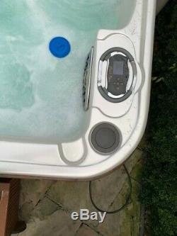 Coast Spas Jacuzzi Hot Tub luxury radiance curve lounger 65