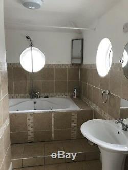 Double Whirlpool Jacuzzi Bath Spa with 14 Jets. 110 X 180 Bath Tub