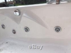 Double width jacuzzi bath