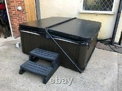 Hot Tub Spa Jacuzzi Whirlpool Delivery Available 30 Days Warranty