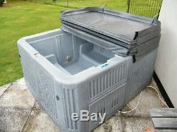 Hot tub, Spa (not Jacuzzi), Hydro and air massage jets, with new insulated cover