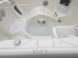 Hot tub jacuzzi spa Hotsprings Envoy