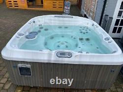 Hot tub jacuzzi spa Jacuzzi J480