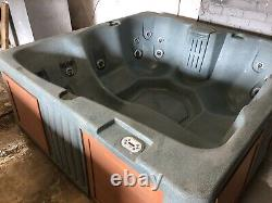 Hot tub spa jacuzzi we can deliver