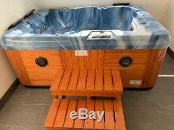 Jacuzzi, 3-4 seater Hot Tub Brand Name JNJSPAS Model Number SPA-412