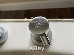 Jacuzzi Bath Porcelanosa Taps