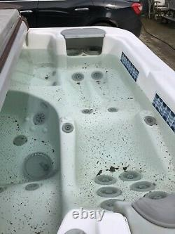 Jacuzzi Hot Tub 5 Person Used Spa Brown Chestnut / White 32amp With Cover Steps