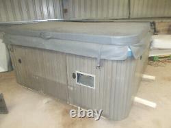 Jacuzzi J230 Hot Tub Spa 6/7 Person