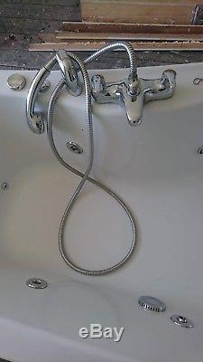 Jacuzzi bath White (170cm x 90cm) with Glass Shower Door (140cm x 75cm)