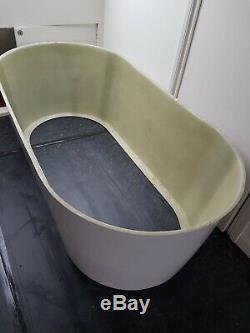 Jacuzzi bath used
