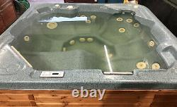 Jacuzzi spa hot tub spaform. Can DELIVER