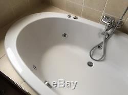 Jet whirlpool, Ovel bath