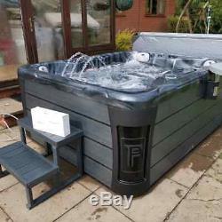 New Palm Spas Bellini+ Luxury Hot Tub Spa 5 Seats American Balboa Jacuzzi Uk