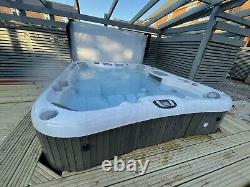 Sundance Spas Hot Tub Aspen 880 RRP £24000! Jacuzzi HUGE SPA HOT TUB